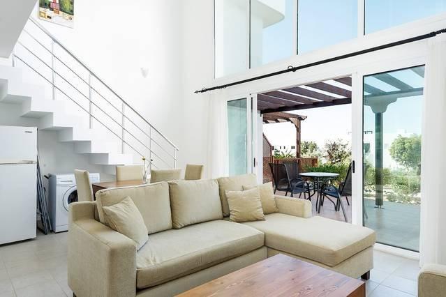 Joya Cyprus Songbird Garden Apartment, holiday rental in Bahceli