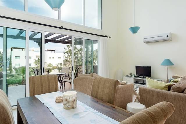 Joya Cyprus Seashore Garden Apartment, holiday rental in Tatlisu