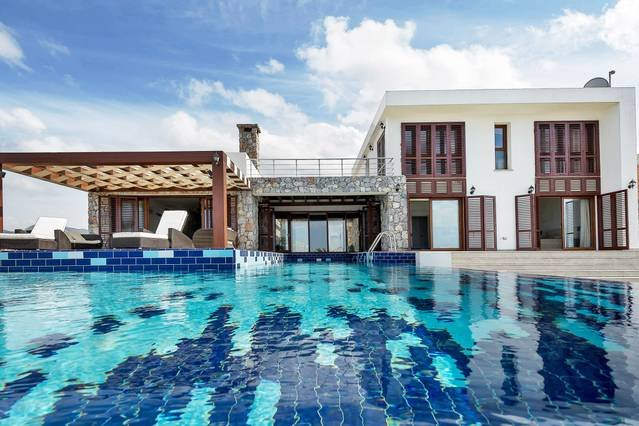 Joya Cyprus Emerald Escape Villa, alquiler vacacional en Davlos