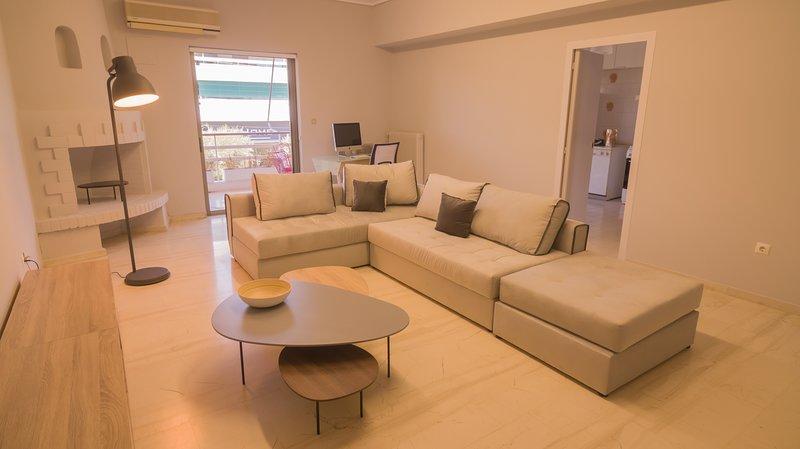 Apartment in Sunny Glyfada, location de vacances à Voula