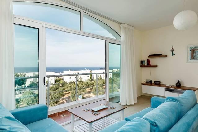 Joya Cyprus Mercury Penthouse Apartment, holiday rental in Tatlisu