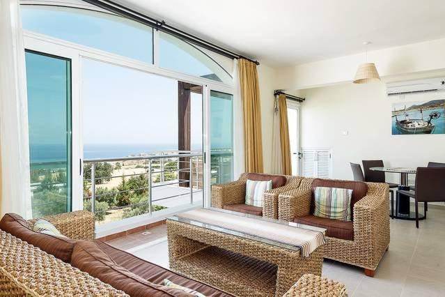 Joya Cyprus Margarita Penthouse Apartment, holiday rental in Bahceli