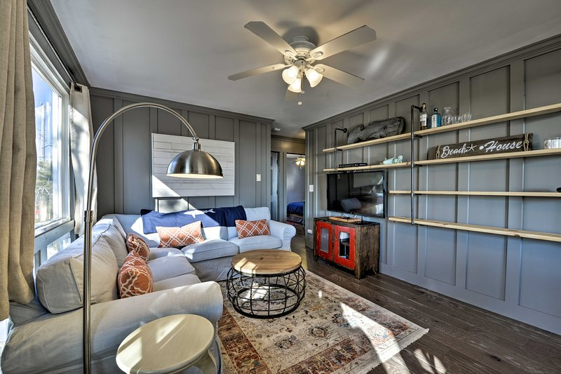 Enjoy modern comforts at this beach block vacation rental on Long Beach Island!