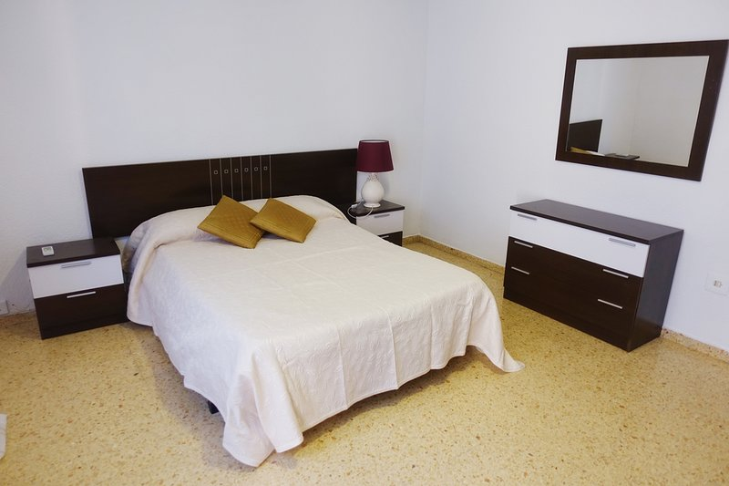 APARTAMENTO AMPLIO Y LUMINOSO (VT-46643-V) XÁTIVA, holiday rental in Bocairente
