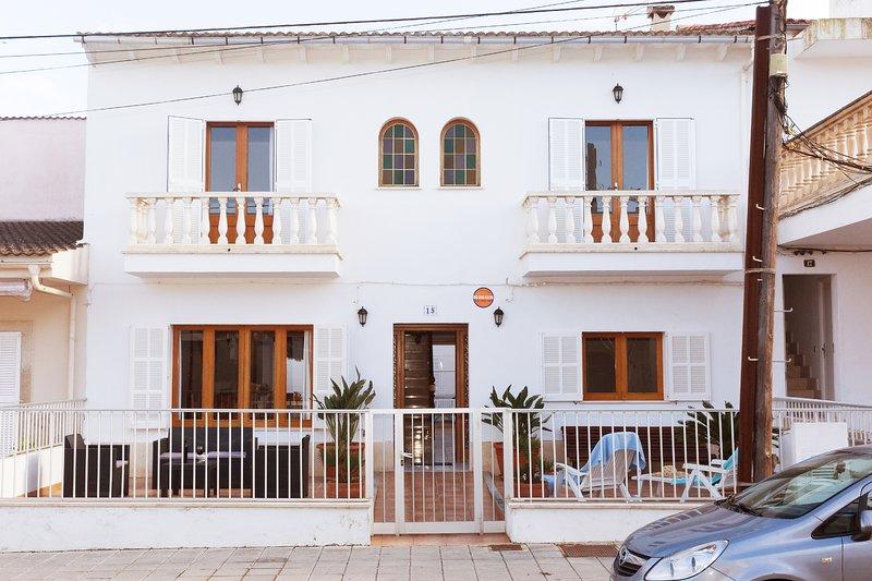 Can Biel,  moderna casa a 100 metros de la playa de Can Picafort., vacation rental in Ca'n Picafort