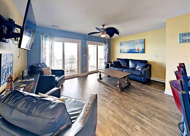 Room for You and Your Friends - 4 BR Directly on Lake Erie max 12 ppl C202, vacation rental in Put in Bay