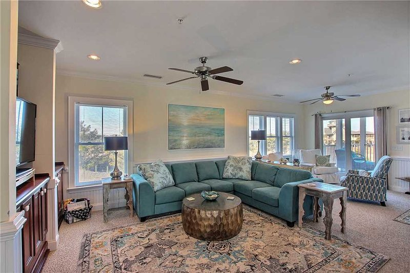 Family First Slash Creek #C1SC-H, holiday rental in Hatteras