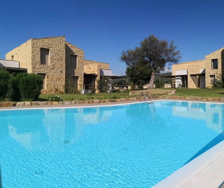 Villa Borgo Antico PORTO PINO, vakantiewoning in Nuxis