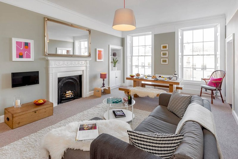 Location, Location, Location Great Pulteney Street minutes walk from the centre, casa vacanza a Batheaston