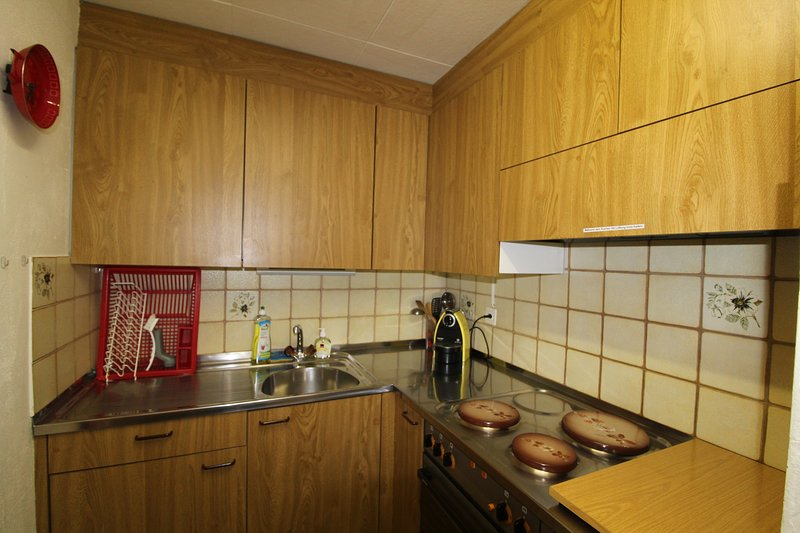 Kitchen, basic equipment available
