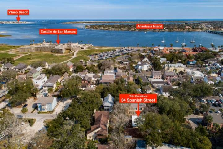 Only a cannon ball shot distance from the fort - and the beautiful bayfront!