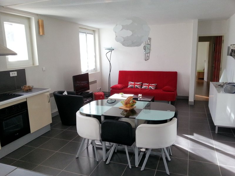 Apartment - 8 km from the slopes, location de vacances à Les Monts d'Olmes