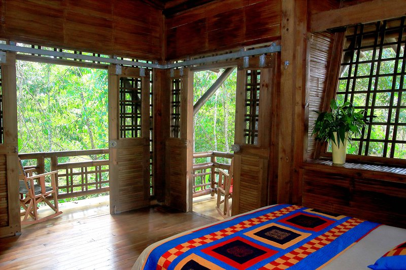 Bamboo Sanctuary-In site Waterfalls-Trails-Farm to Table – semesterbostad i Penas Blancas