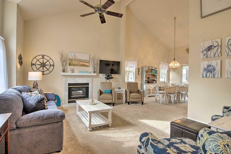 Ocean Pines House w/ Screened-In Deck & Grill!, casa vacanza a Ocean Pines