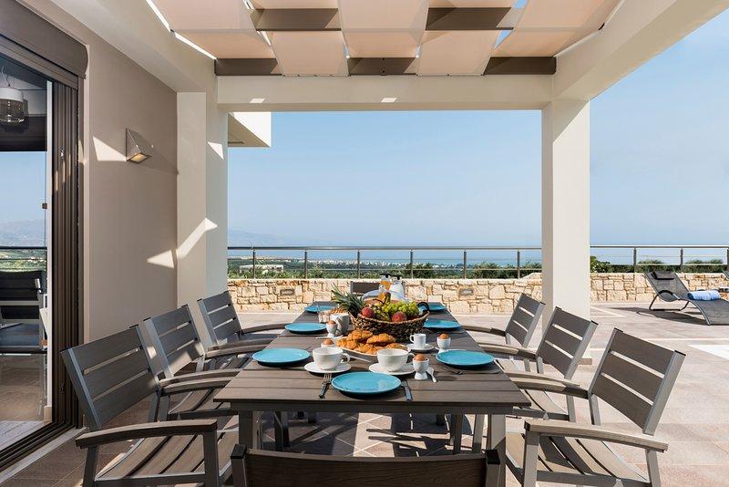 Delimanoliana Villa Sleeps 8 with Pool and Air Con - 5757154, alquiler vacacional en Kontomari