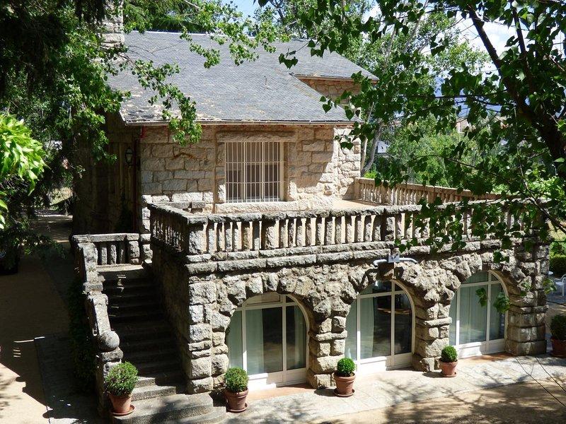 Preciosa casa en finca en la sierra., holiday rental in Colmenarejo