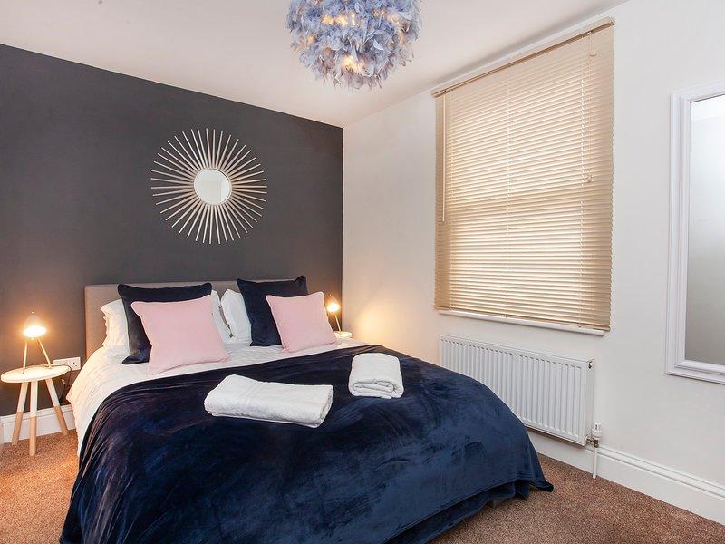Bluebridge Court - Stylish city centre apartment, vacation rental in Fulford