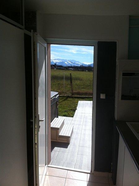 Duplex dans VILLA entre LOURDES PAU TARBES + GRAND SPA + pdj., holiday rental in Lestelle Betharram