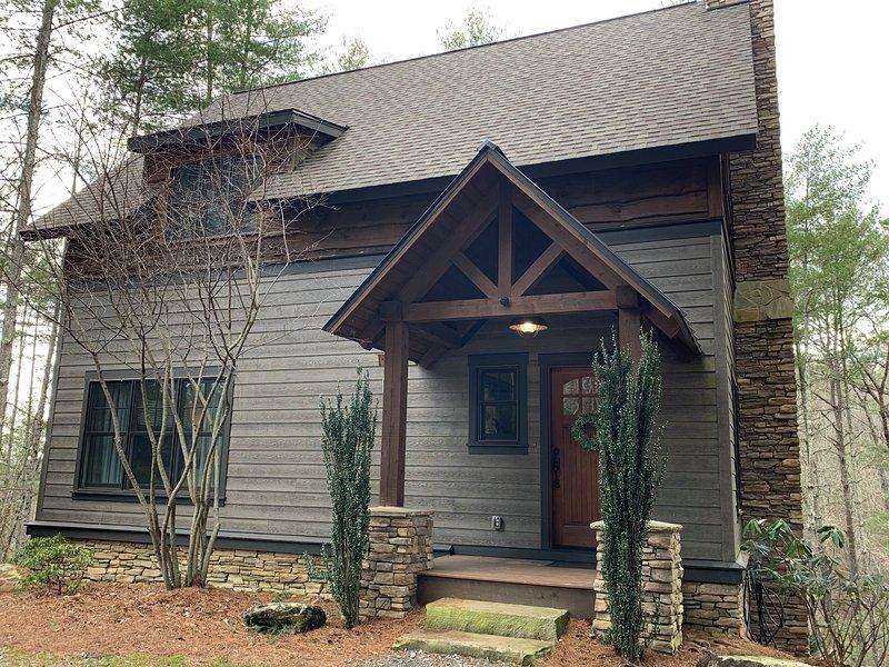 Camp Lake James Treehaus Cabin Has Mountain Views And