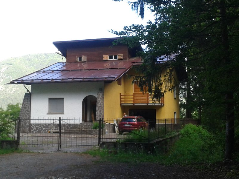 Entire Chalet surrounded by greenery in the Valle Rendena, near Madonna di Campiglio and Riva di Garda