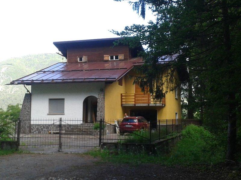 CHALET al Monte di Zuclo - Tione di Trento, holiday rental in Stenico