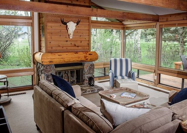 Gorgeous condo ~ Free WiFi ~ Great Location, location de vacances à Jackson