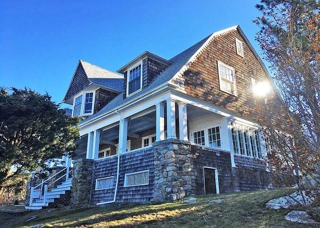 Cedar Ledge Annisquam: Ocean views & traditional New England charm., casa vacanza a Essex