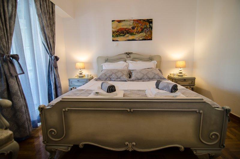 Luxury apartment near the center of Athens, location de vacances à Kamatero