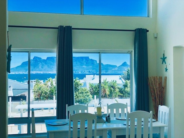 J's Audacious Living West Beach Self Catering, holiday rental in Bloubergstrand