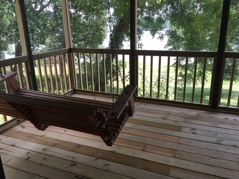 Lakefront Unit  #15  Green Valley Resort - Table Rock Lake - Branson Missouri, holiday rental in Branson