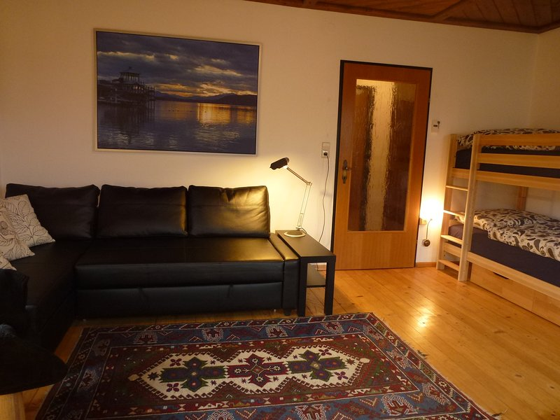 Spacious apartment for 4-6 people, holiday rental in Jenig