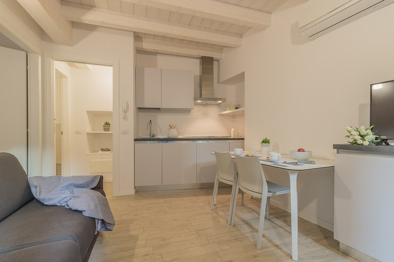 Little Nest Flat, vacation rental in Varenna