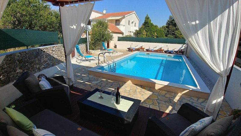 Water,Pool,Building,House,Hotel