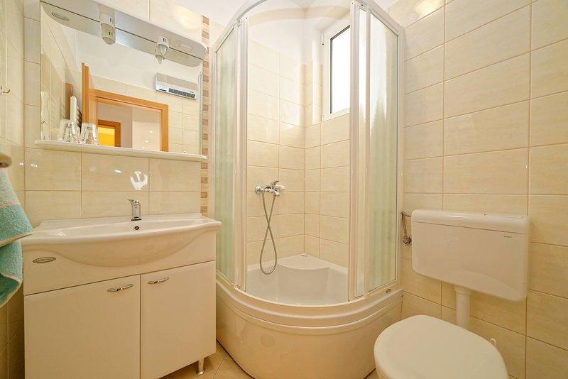 Room, Binnen, badkamer, toilet, bad
