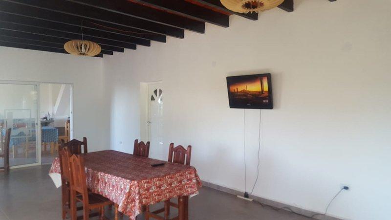 HOSTEL TRANSILVANIA ALQUILER DE HABITACIONES, location de vacances à Ongamira