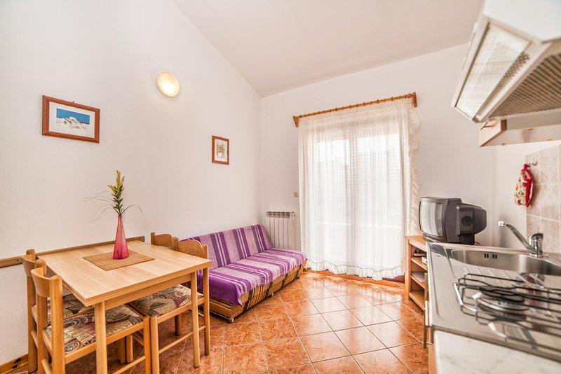 Flooring,Room,Living Room,Indoors,Floor