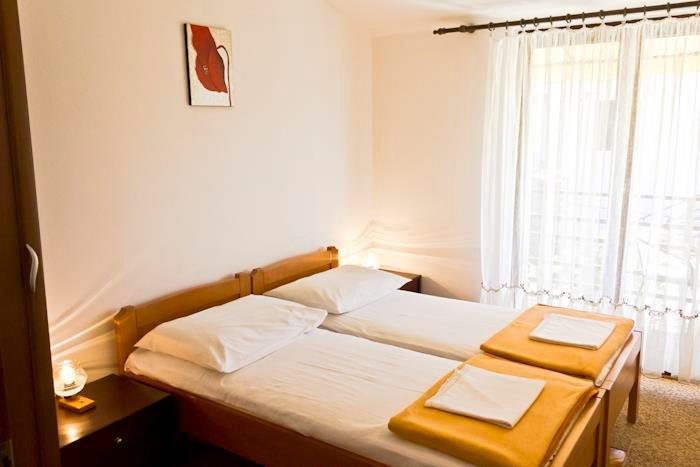 Building,Furniture,Bed,Bedroom,Indoors