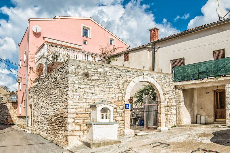 Walkway,Path,Flagstone,Building,Architecture