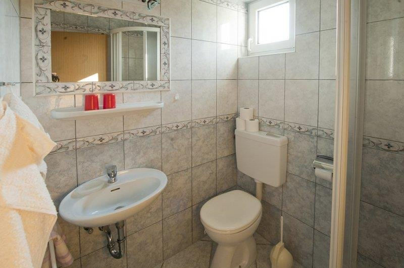 Sink,Indoors,Toilet,Bathroom,Room