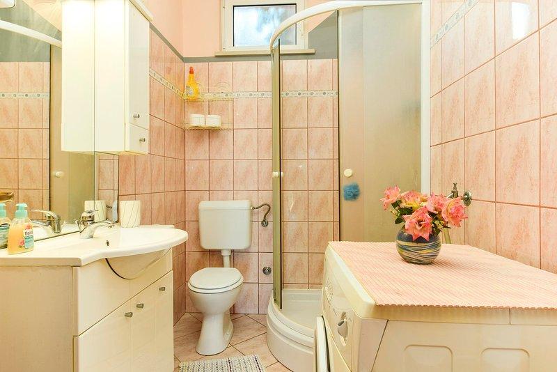 Room,Indoors,Bathroom,Pottery,Vase