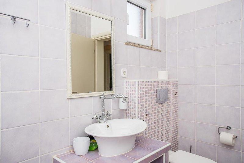 Room,Indoors,Bathroom,Sink