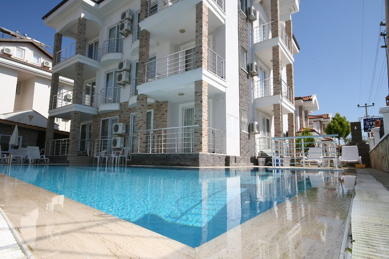 Condominio Stella con piscina e terrazze