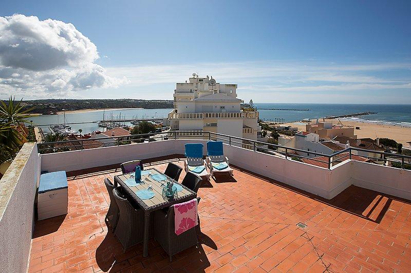 Praia da Rocha, zeezicht en mooi groot terras, location de vacances à Praia da Rocha