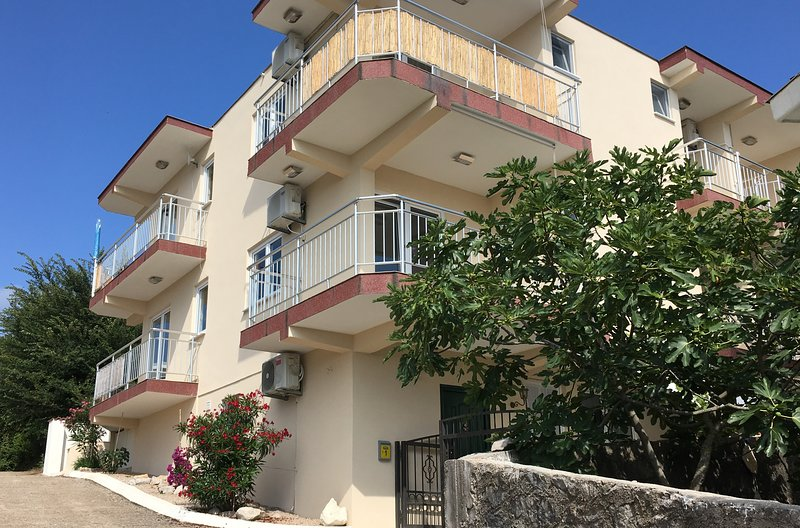 Villa Katharina Apartments, location de vacances à Utjeha