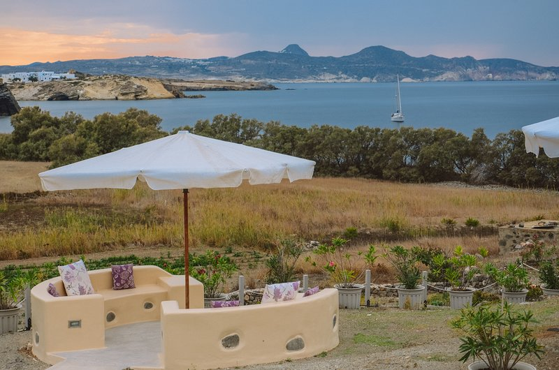 Aloni Cave House - Sea View, casa vacanza a Milos