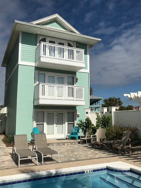 NEWLY REMODELED! Beach house rental and pool with spectacular view of Gulf., holiday rental in Panama City Beach
