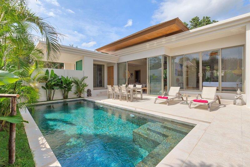 2 BDR Pool Villa close to Laguna | Cherngtalay, holiday rental in Cherngtalay