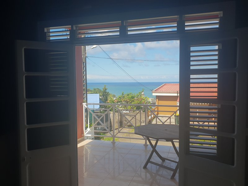 Beautiful apartment with sea view, casa vacanza a Marigot