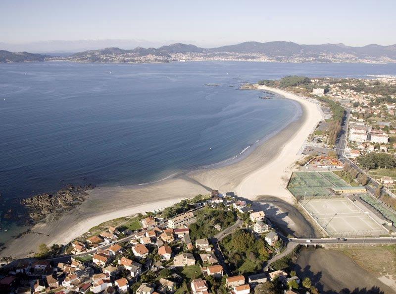 Alquilo piso en VIGO - PONTEVEDRA frente a playa de samil, holiday rental in Vigo