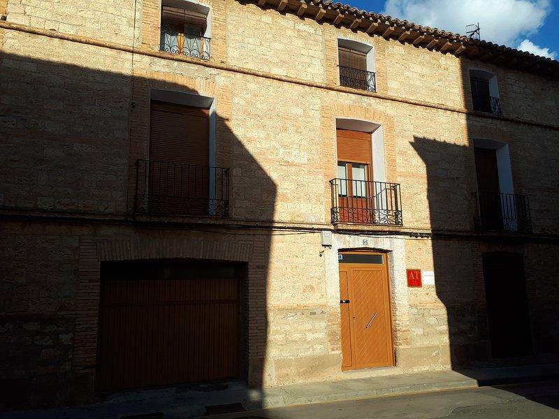 Apartamento San Roque,7, location de vacances à Ainzon